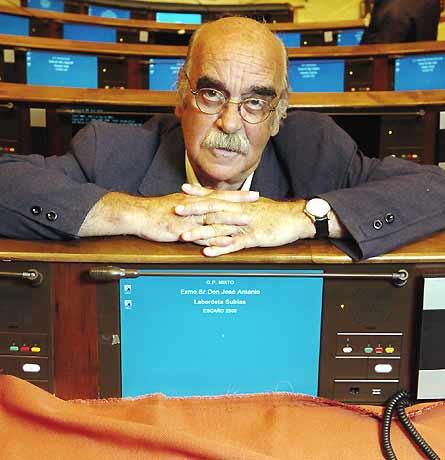 20070127233624-labordeta-por-begona-rivas.jpg