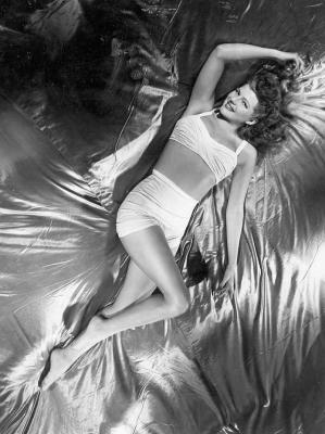 20070610101841-ritahayworth.jpg