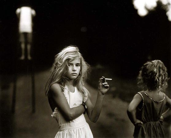 20070628203247-sally-mann-candy-cigarette.jpg