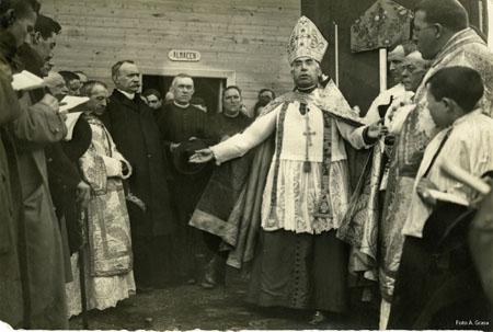 20070819150729-obispo-inauguracion-20riegos-12x18-cmyk.jpg