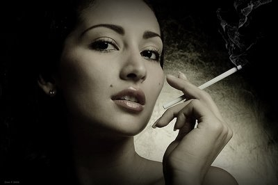 20081002104758-zuanmujer-con-cigarrillo-zuan-carre-c3-b1o-1-.jpg