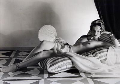 20090115110602-odaslisca-reclinada-1943.-horsti-p.-horst.jpg