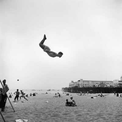 20090820095636-loomis-dean-man-flying-off-a-trampoline-at-santa-monica-beach.jpg