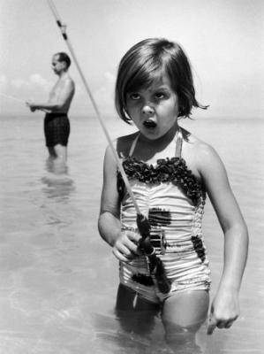 20091027121047-alfred-eisenstaedt-girl-with-a-fishing-rod.jpg