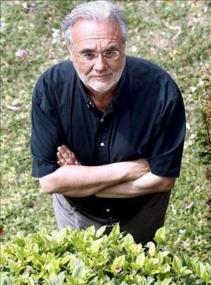 20100130225121-manuel-gutierrez-aragon-gana-el-premio-herralde-con-la-vida-antes-de-marzo.jpg