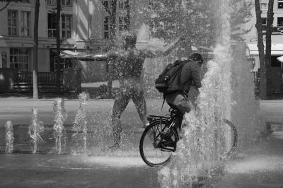 20100824012816-burbano-bici.jpg