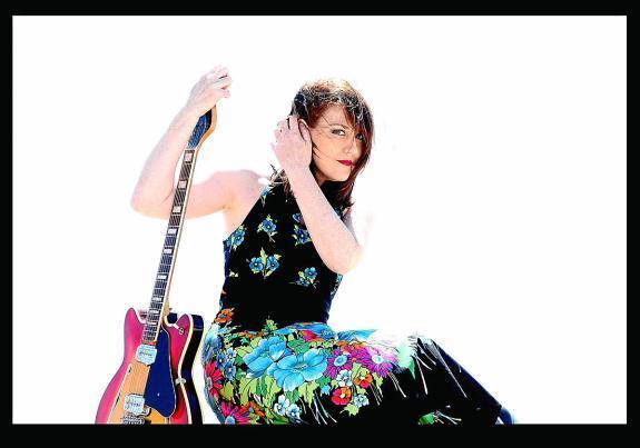 20110826192446-maria-jose-hernandez.-por-el-fotografo-juan-miguel-morales.jpg
