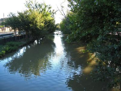 20110829104142-canal-imperial.jpg
