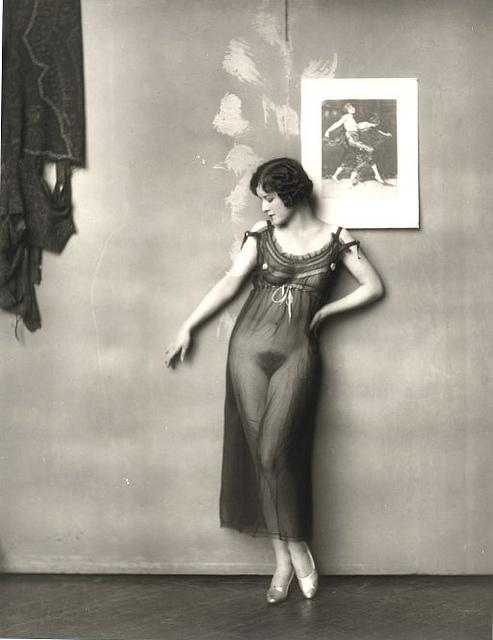 20131204013004-e.j.-bellocq-s-storyville-prostitutes-new-orleans-louisana-1912..jpg
