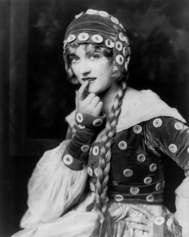20140111170727-alfred-cheney-johnston-1924marion-davies-ziegfeld-girl-by-.jpg