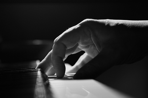 20150915094103-manos-piano-joven.jpg