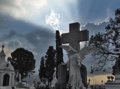 20080510213439-cementerio-general.jpg