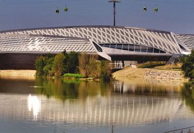 20081013173234-pabellon-puente.-zaha-hadid.-melendo.jpg