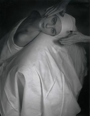20081022013911-horst-p.-horst.-masaje-facial-a-carmen-1946.jpg