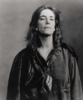 20090202110343-leibovitz.-patti-smith-la-buena.jpg