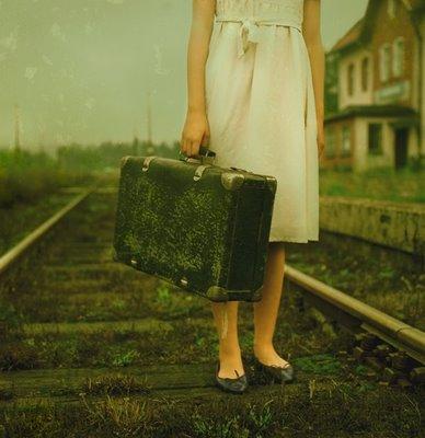 20090506093756-maleta-con-chica.jpg