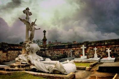 20100210235138-il-mondo-mio-cementerio-comillas.jpg