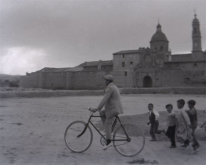 20101231112742-ciclista-en-santa-fe.jpg