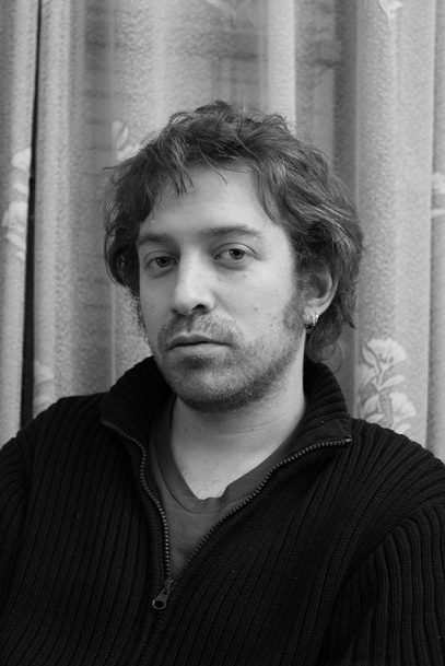 20110110115832-daniel-black-and-white-033-smalliiiii.jpg