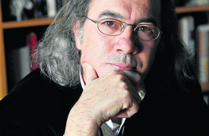 20111110085608-fernando-beltran-poeta-y-nombrador.jpg