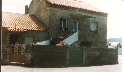 20120526235045-casa-mi-abuela-carmen-en-coruxo-1989-bita.jpg