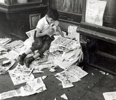 20150327133106-kerteszboy-reading-newspaper.jpg