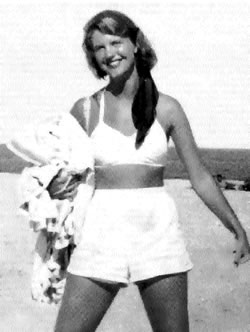 20170424111328-sylvia-plath-on-cape-cod-in-1952-aged-19.jpg