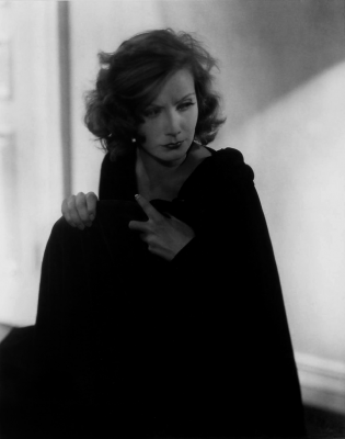 20180116104305-edward-steichen-greta-garbo-hollywood-1928.png