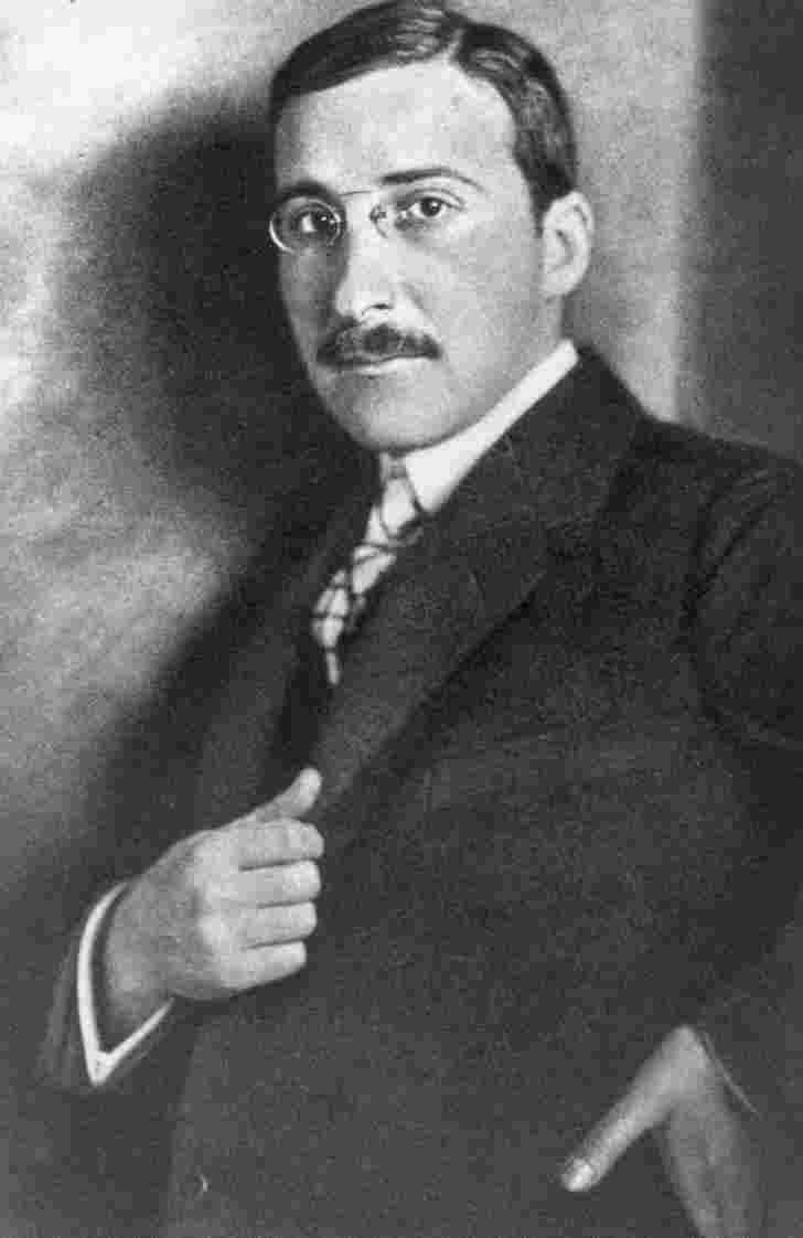 Zweig.JPG