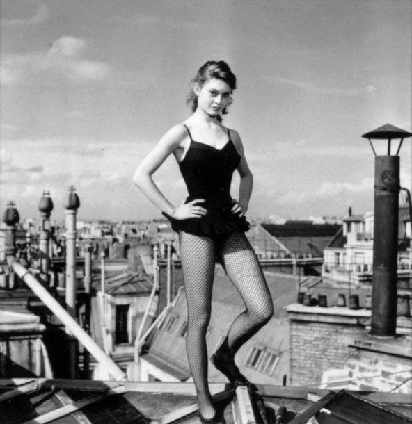a5c0efd00c05f Walter Carone (1920-1982) era hijo de un italiano que emigró a Cannes y de  él aprendió los secretos de la fotografía. Su padre era un maestro de  bodas
